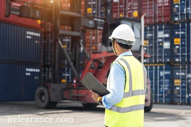 اهمیت و نقش حق العمل کار در ترخیص کالا